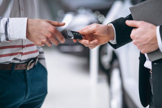 מה חייבים לבדוק לפני שמקבלים רכב שכור?