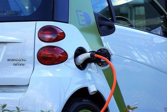 מהם היתרונות המרכזיים של רכב חשמלי?