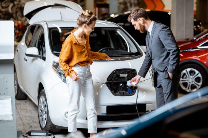 שאלת מיליון הדולר: האם כדאי להשקיע ברכישת רכב חשמלי בישראל?